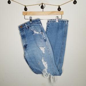 Vintage Light Wash Destroyed Thrashed Jeans 34x32